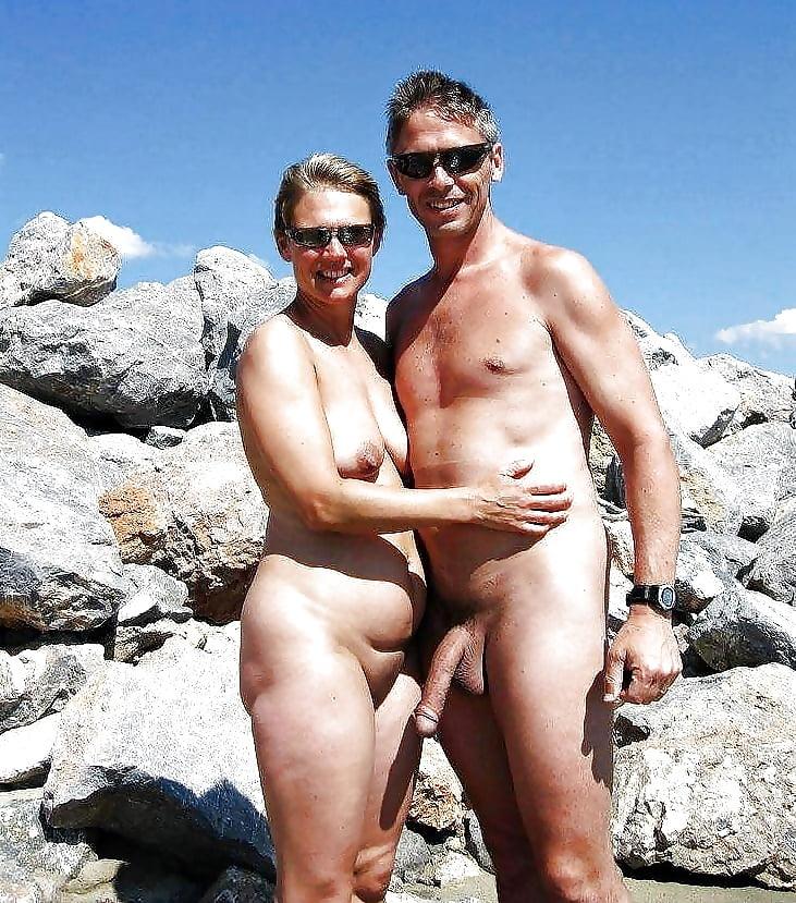 Обнаженные Муж И Жен На Пляже
