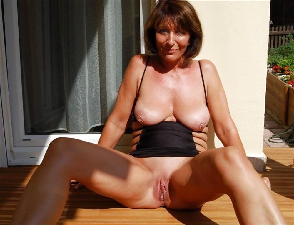 Gif mature women softcore pics