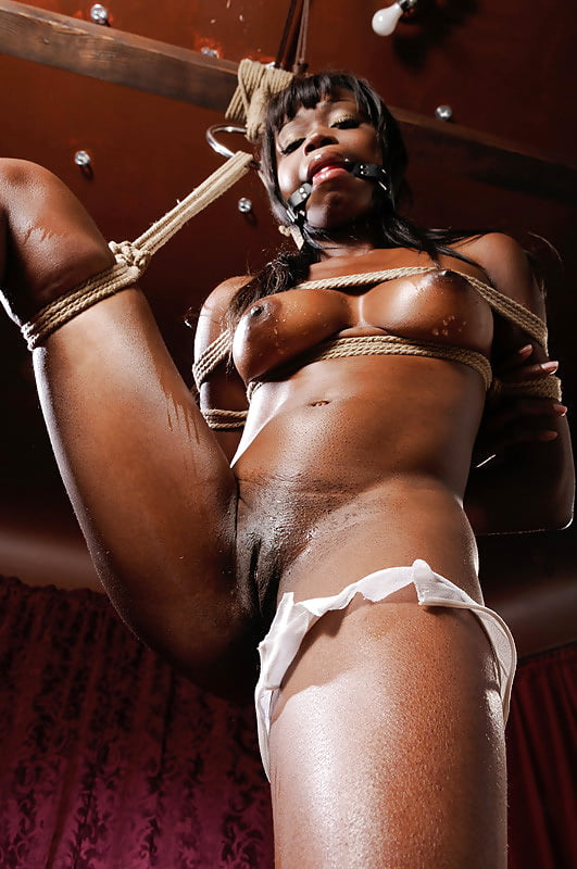 Смотреть порно негритянка садо мазо