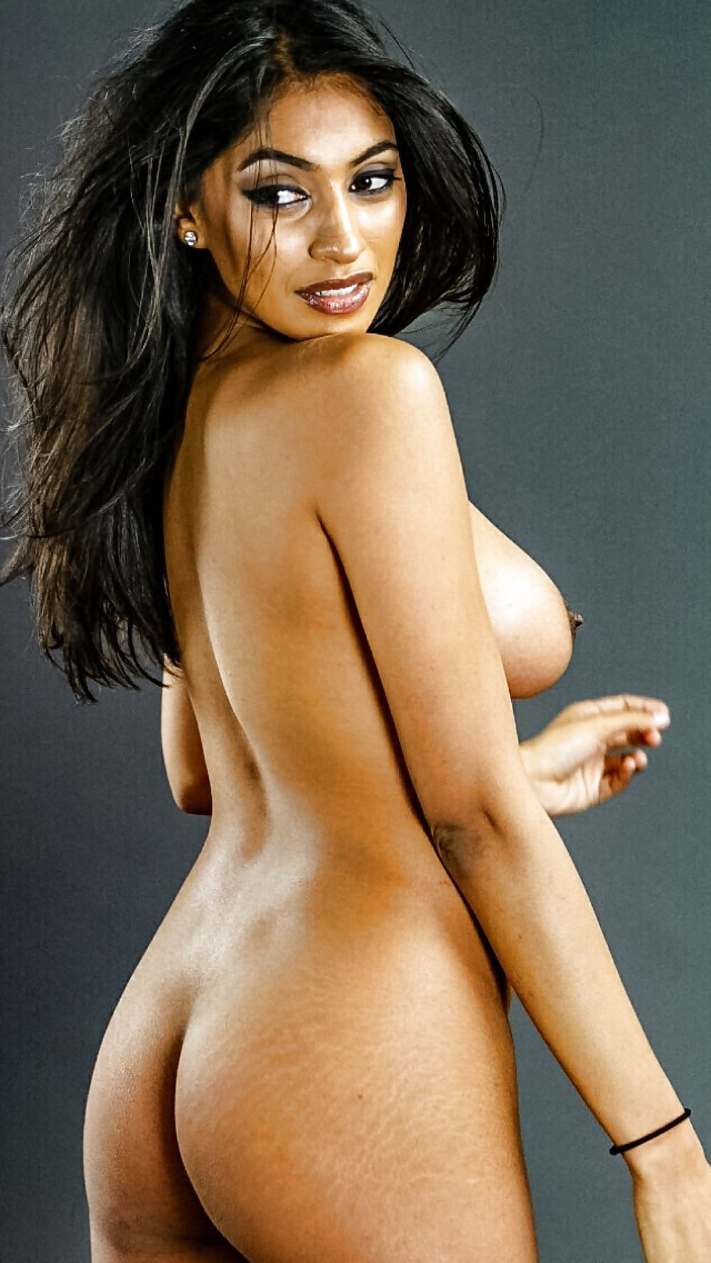 South Indian Heroine Amrutha Valli Hot Nude Pics