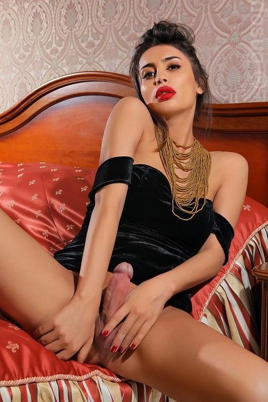 Проститутки трансвестит демотиватор про проституток