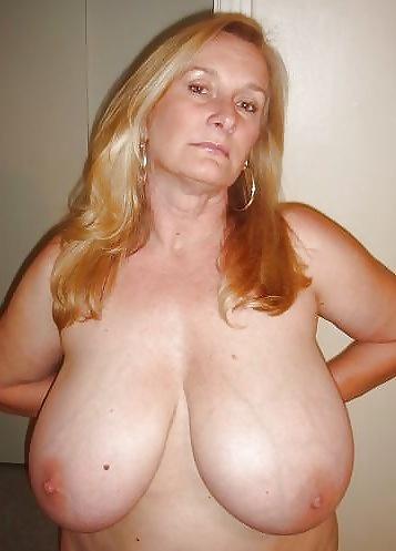 mature dee nude