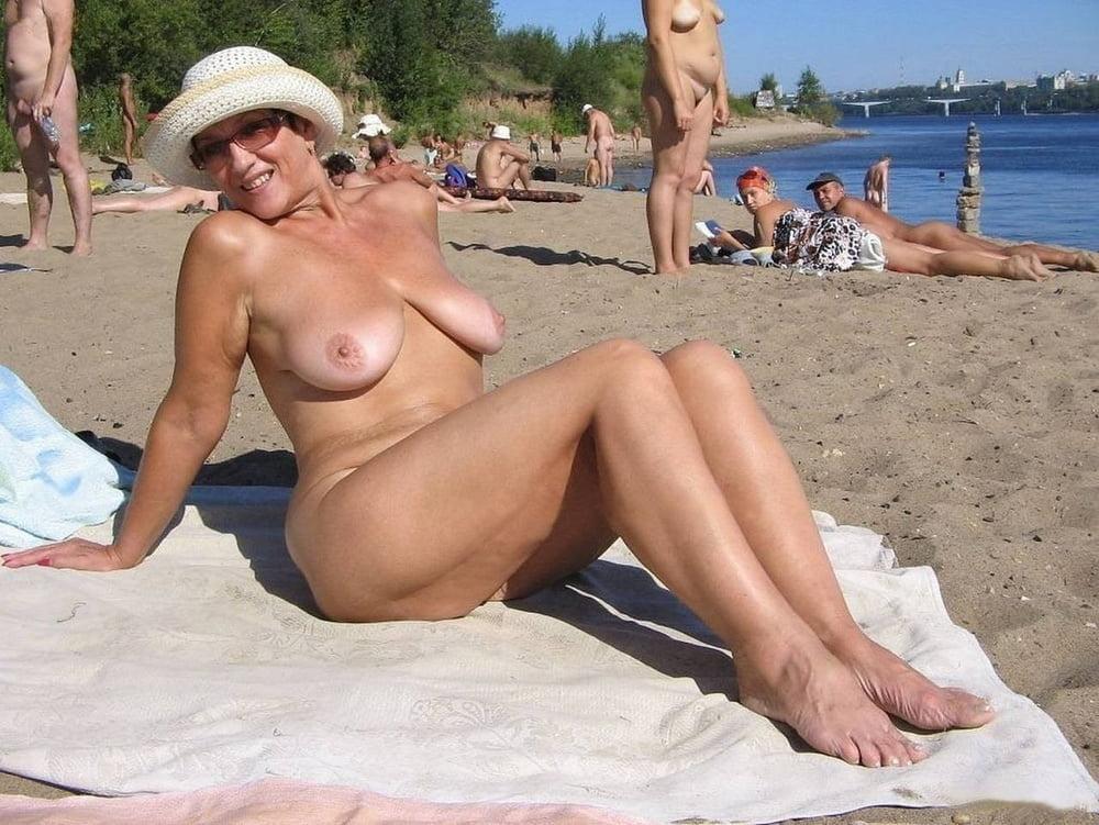 Beach milf gush 4