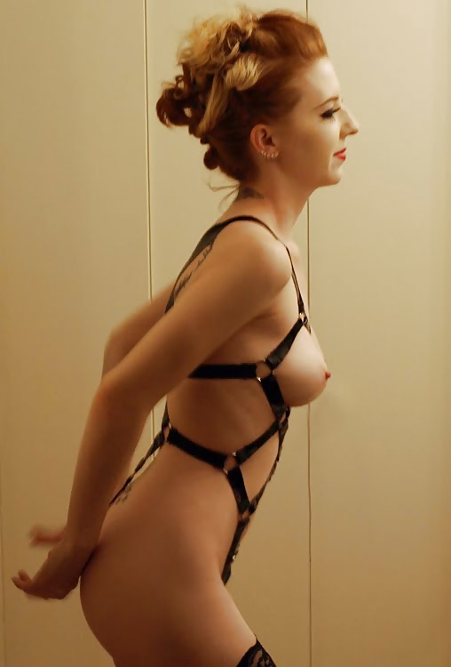 Nackt Roxy Vandiver  Photos collection