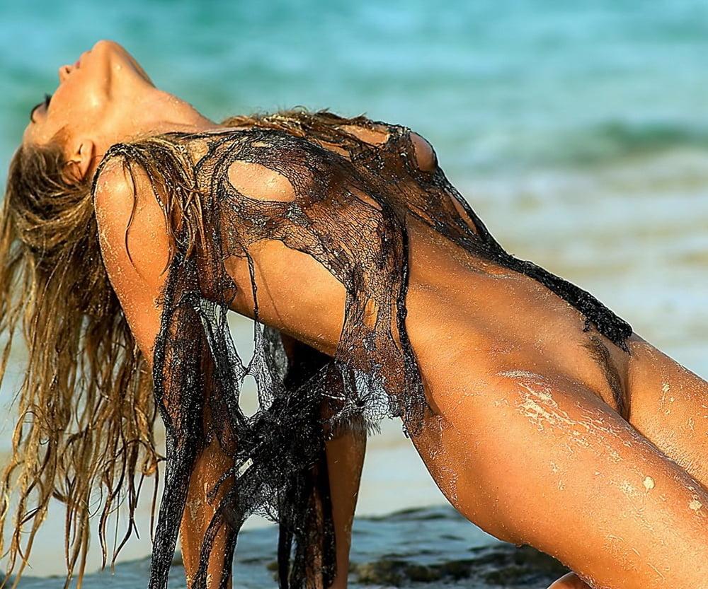 pics Denise richard nude