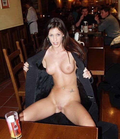 Girls flashing in public pictures