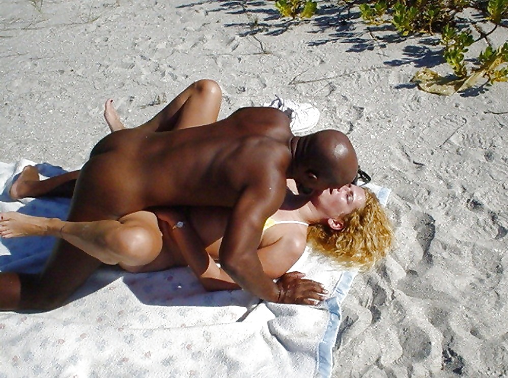 Black sexy boy fucking on beach — pic 5