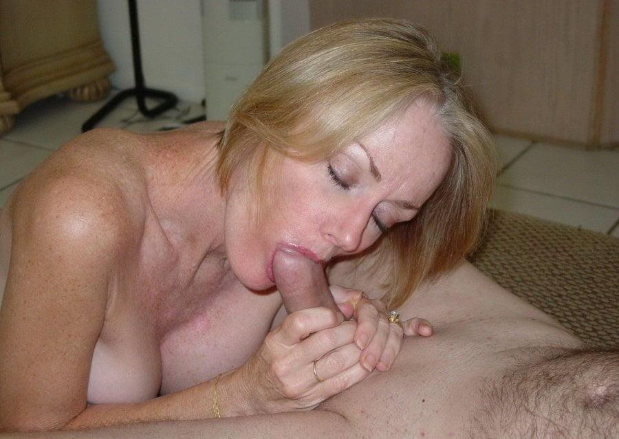 смотреть фотографии зрелых женщин членом во рту - 2