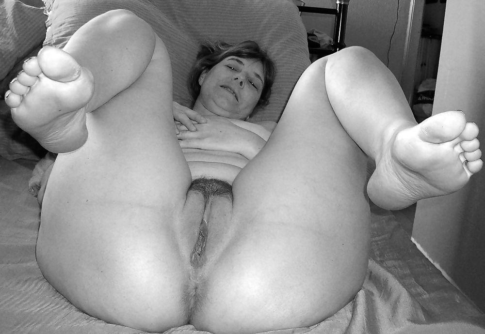 Fat mature wife nude 4