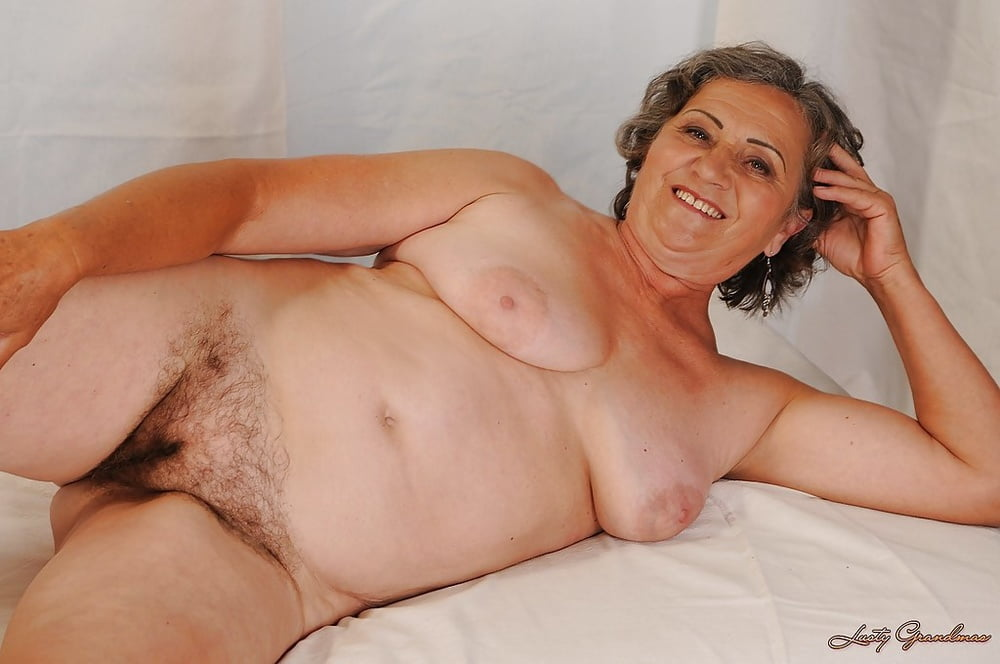 sex-free-nude-photos-of-old-women-spread-eagle