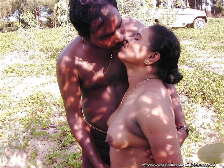 hook-indian-outdoor-sex-bengoli