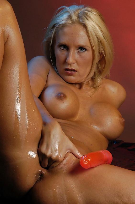 dutch-female-pornstar-sexporn-gifs