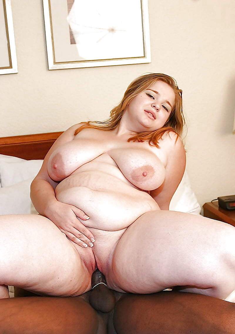 Fat girl fucking herself