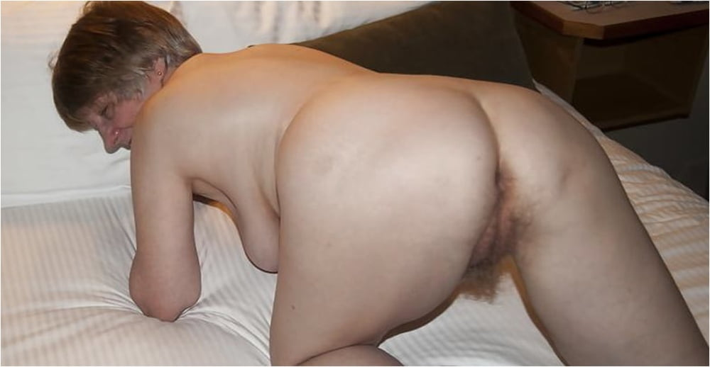 Mature Pussy Ready to Receive Cock - 60 Pics