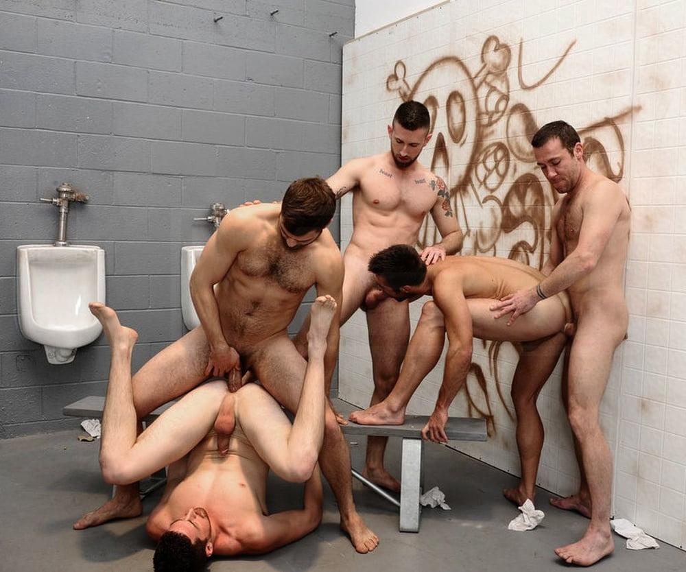 Men group sex orgies — photo 4