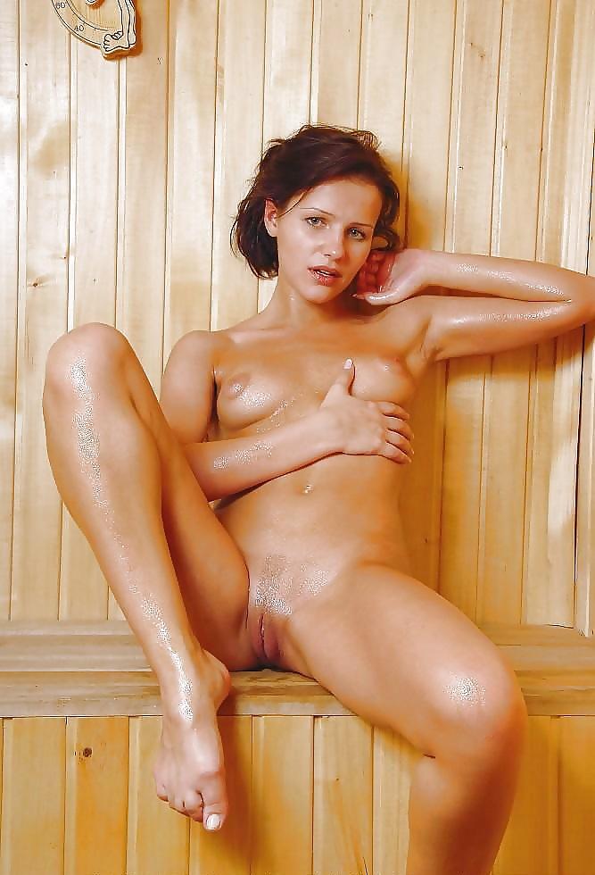 Sexy Sauna Girls