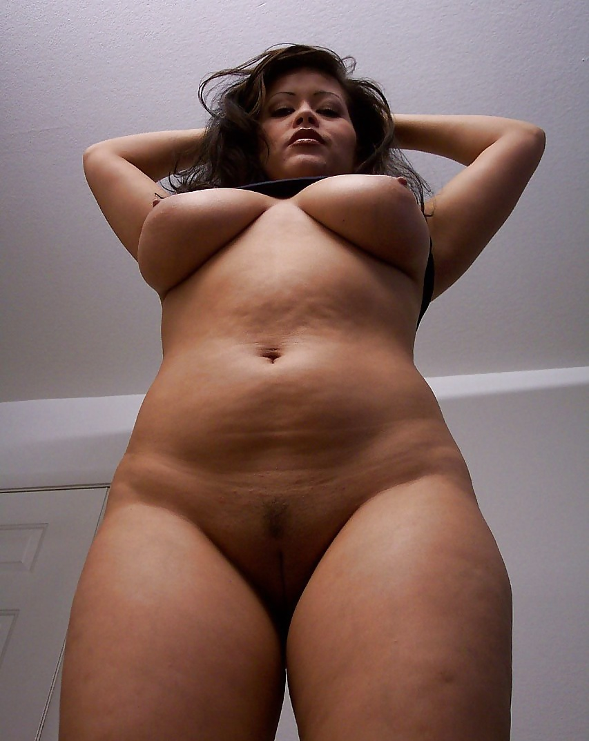 Chubby Latina Slutty Girls Sitting Showing Naked Bodies