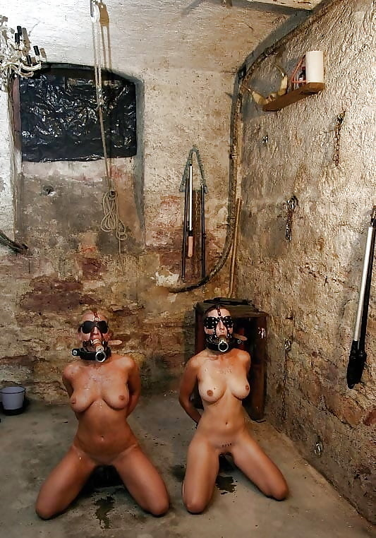 Inside the dungeon of mistress sarah jessica