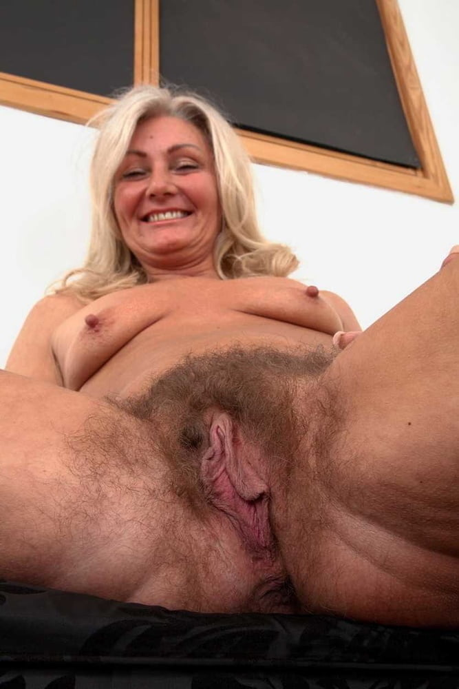 Dolly Taetowierte Inzest Squirten