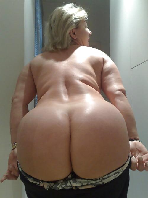 Fat women having-7656