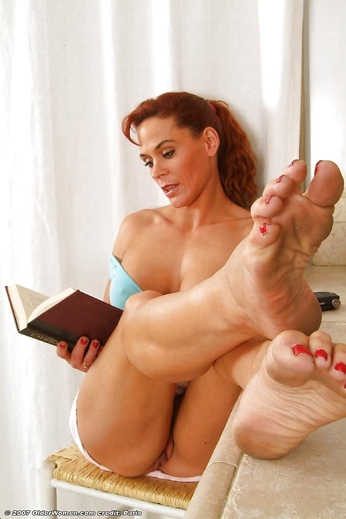 feets-of-nude-persian-girls-sexy-curvy-girl-porn