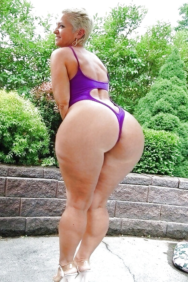 Hot Big Ass Milf