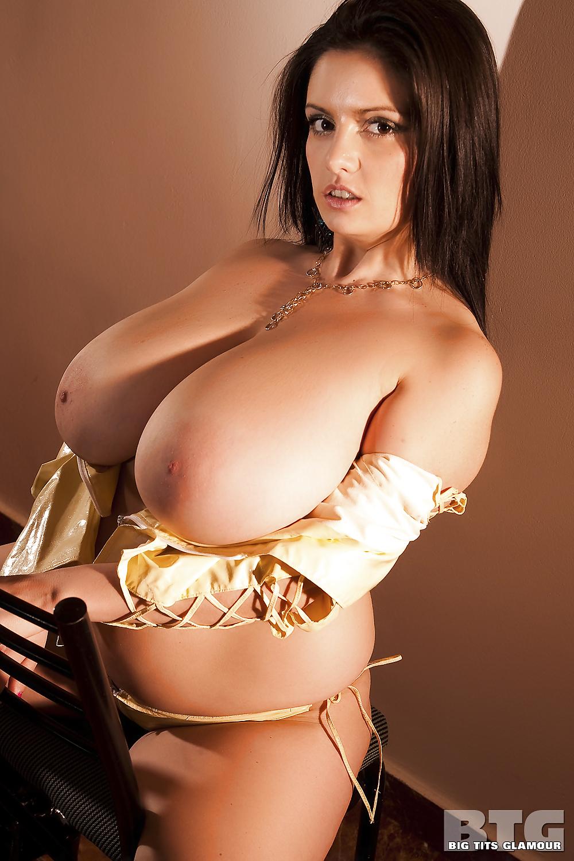 Glamorous big boobs showertures