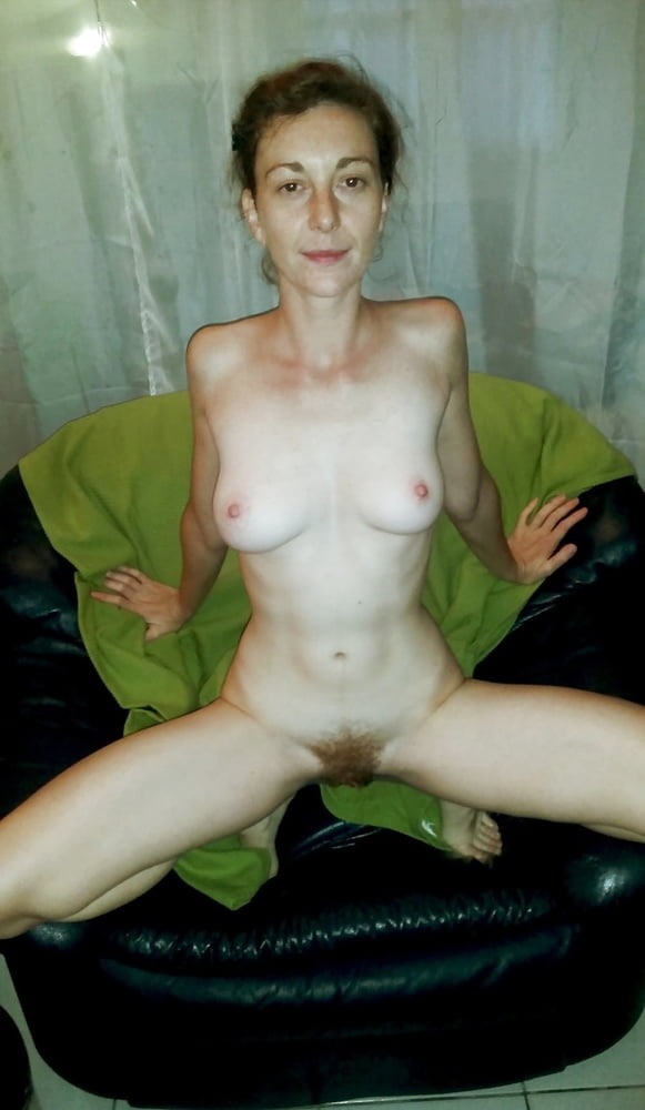 Vienna whore with hairy pussy