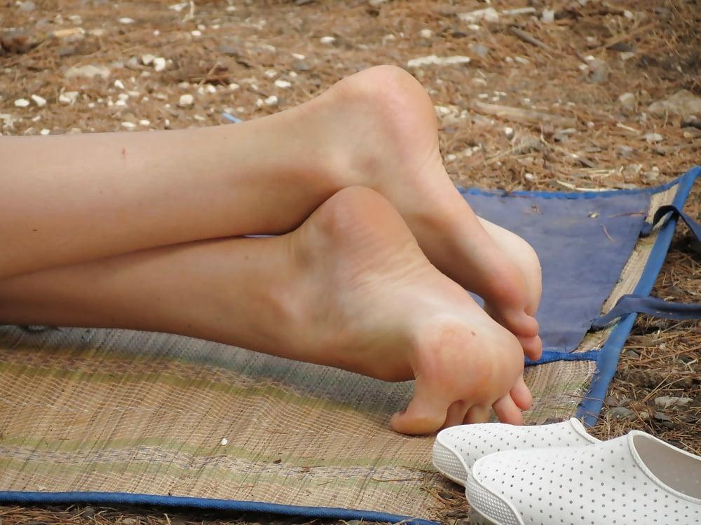 sexy-candid-teen-feet-europeans