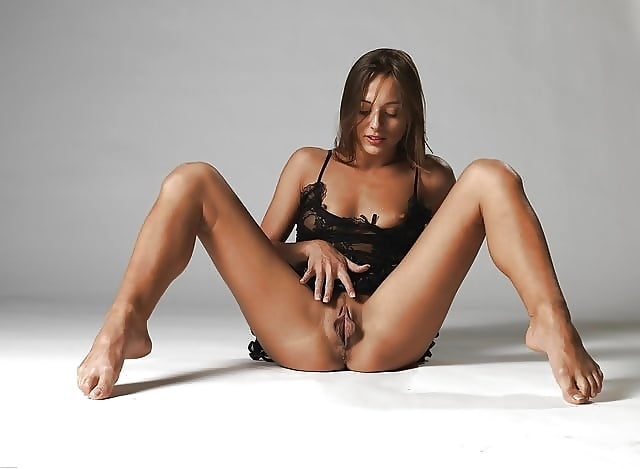 Raunchy Dominika C Bdsm Pictures 1