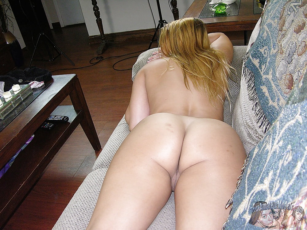 Amateur Latina Babe Modeling Nude Pics XHamster
